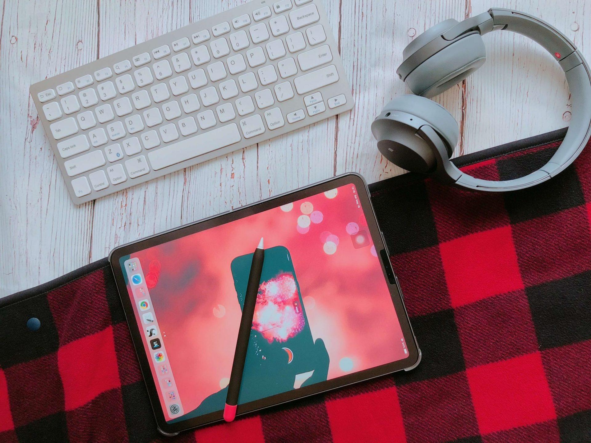 Flatlay of iPad Pro and Headphone