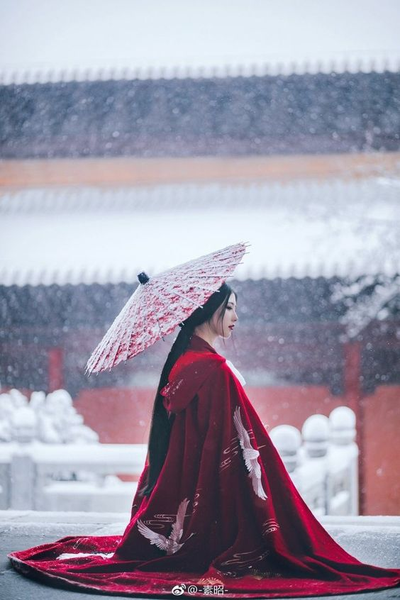 favourite Hanfu chinese dress; red coat in snow